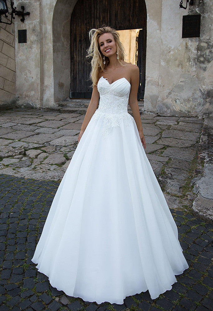 Lace A-LINE Wedding Dress..