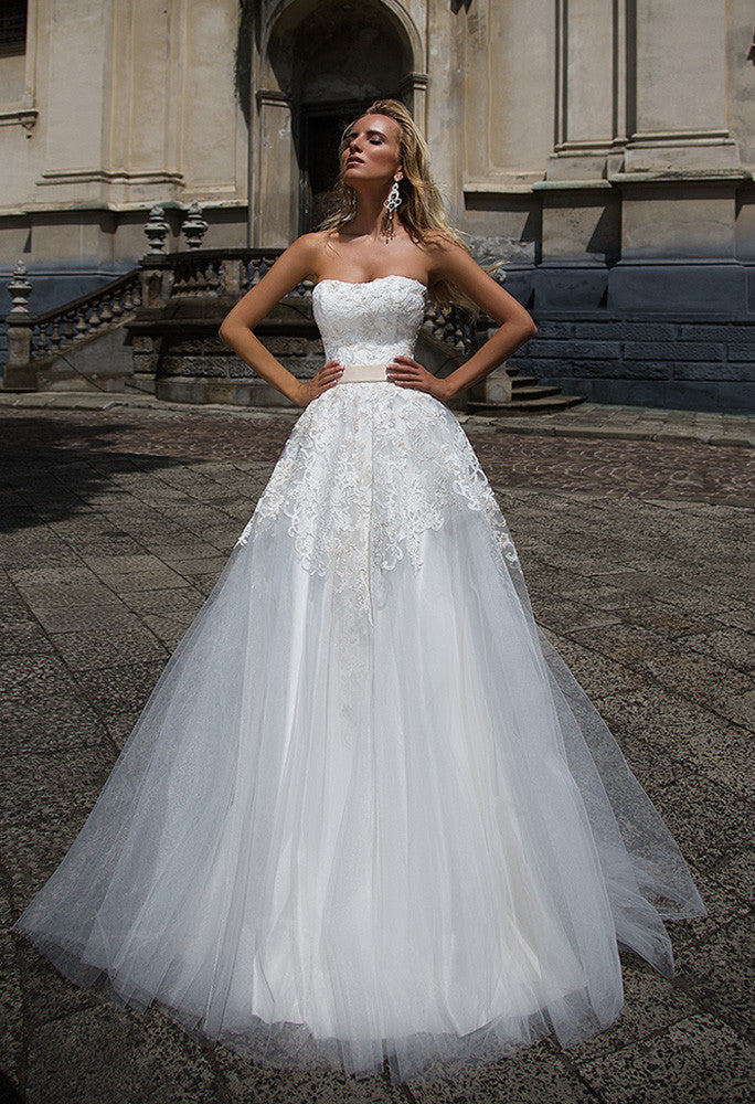 Lace tulle A-LINE Wedding Dress..