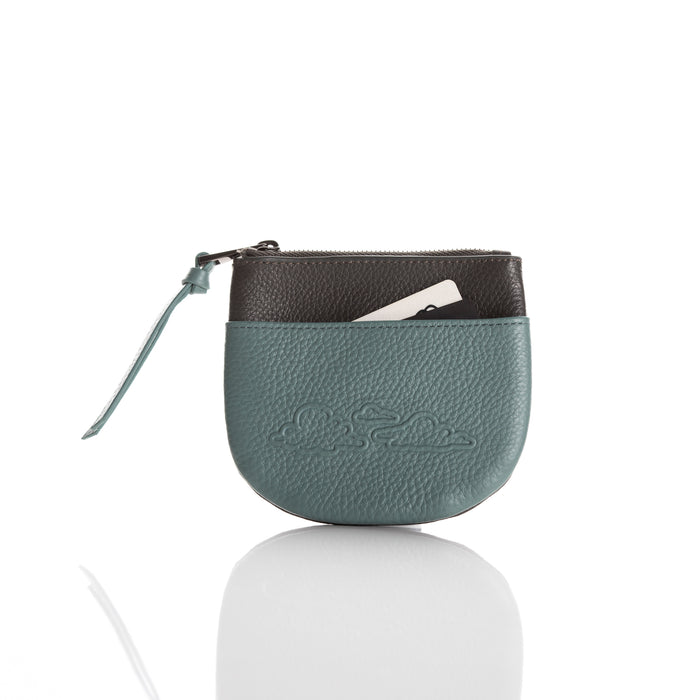 Coin purse: 'Cloud range' in moss green/dark grey leather.