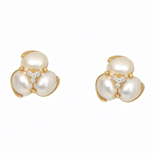 Pearl Earrings with Diamond Centers