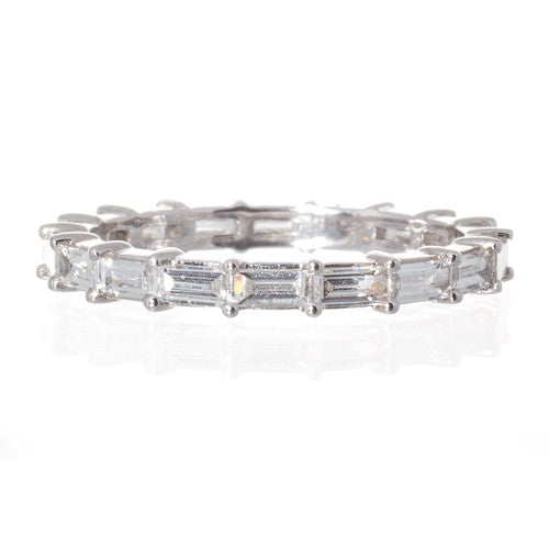 18kt White Gold Baguette Cut Diamond Band
