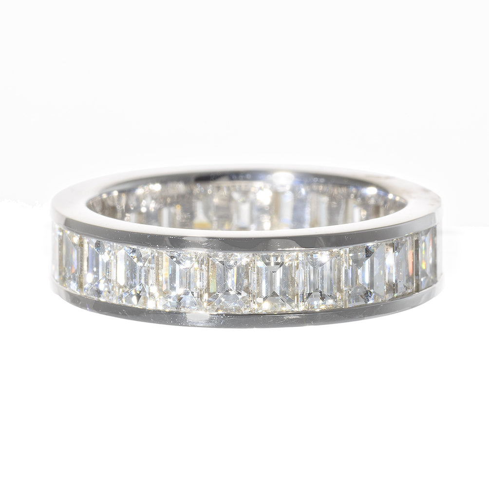 18kt White Gold Eternity Carre Cut Band