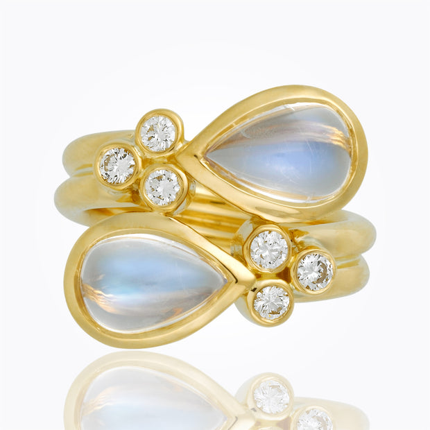 Temple St. Clair 18K Mummy Ring with Royal Blue Moonstone and Diamond Granulation