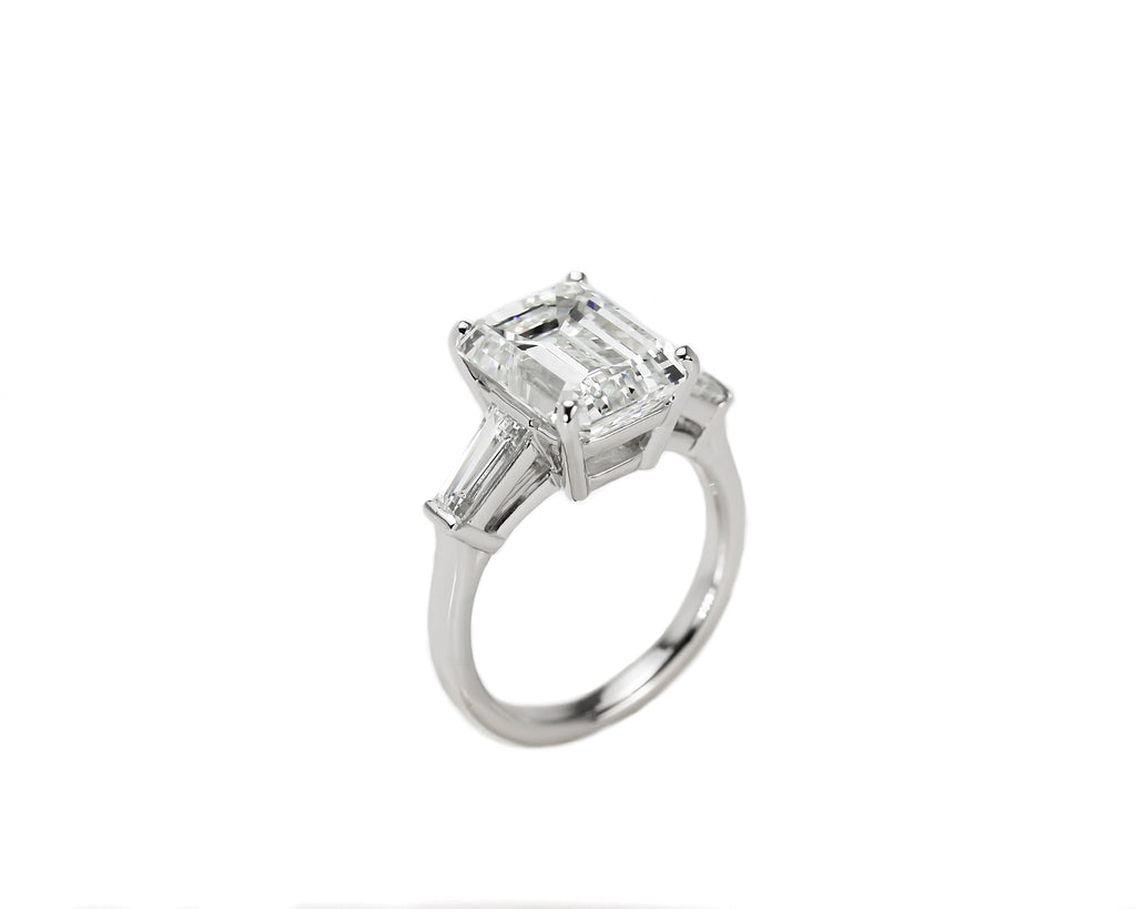 Emerald Cut Diamond with Tapered Baguettes