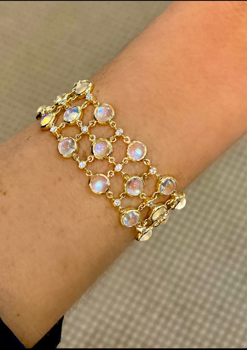 Temple St. Clair 18k Yellow Gold Royal Blue Moonstone and Diamond Bracelet
