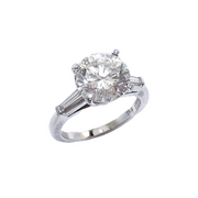 Platinum Round Brilliant Cut Diamond with Tapered Baguettes