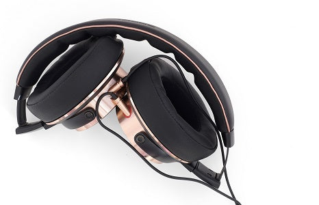 Can You Use Headphones with a Hearing Aid?
