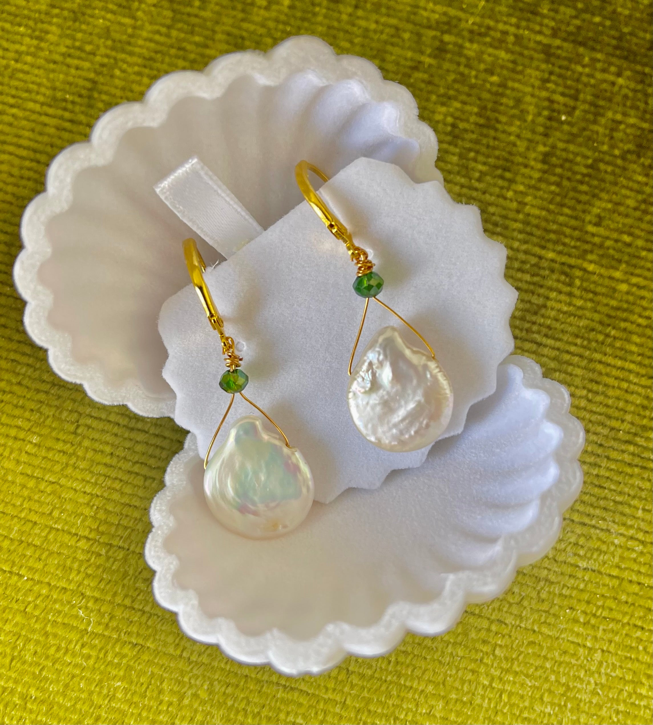 Mother of pearl Earrings gold drop
