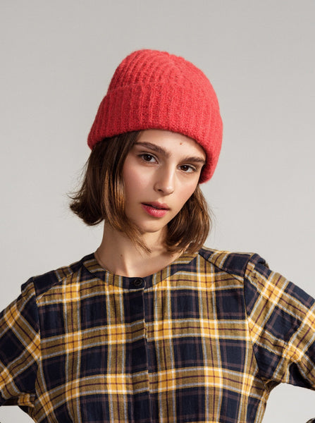 young blood boutique Hansel from Basel poppy ribbed beanie model