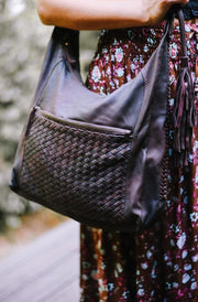 Anya Leather Shoulder Bag | Handmade Leather bags by Tonketti close two