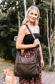 Anya Leather Shoulder Bag | Handmade Leather bags by Tonketti close up