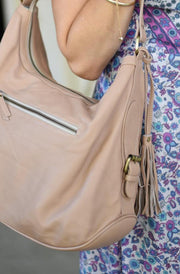 Blush Pink Leather Handbag close up | Classic Leather style by Tonketti