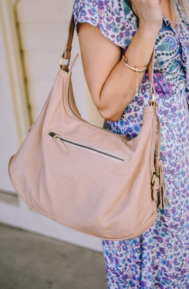 Blush Pink Leather Handbag close 2 | Classic Leather style by Tonketti