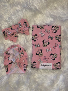 MINNIE BOWTIQUE!  Swaddle Set