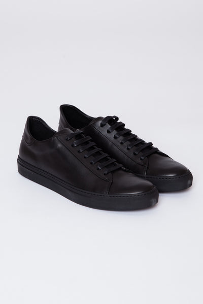 Black/Black Court Low