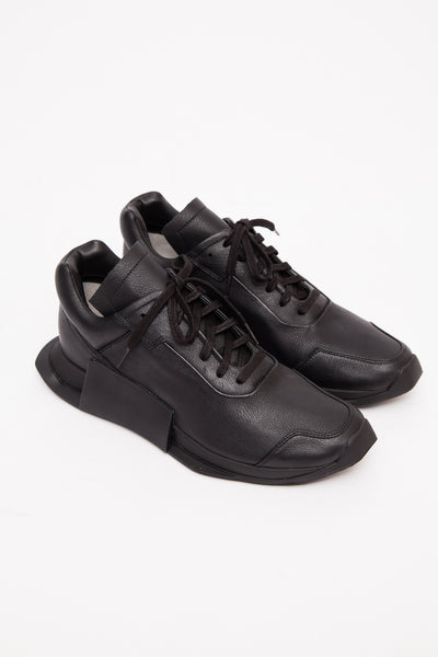 Black/Black Level Runner Low II