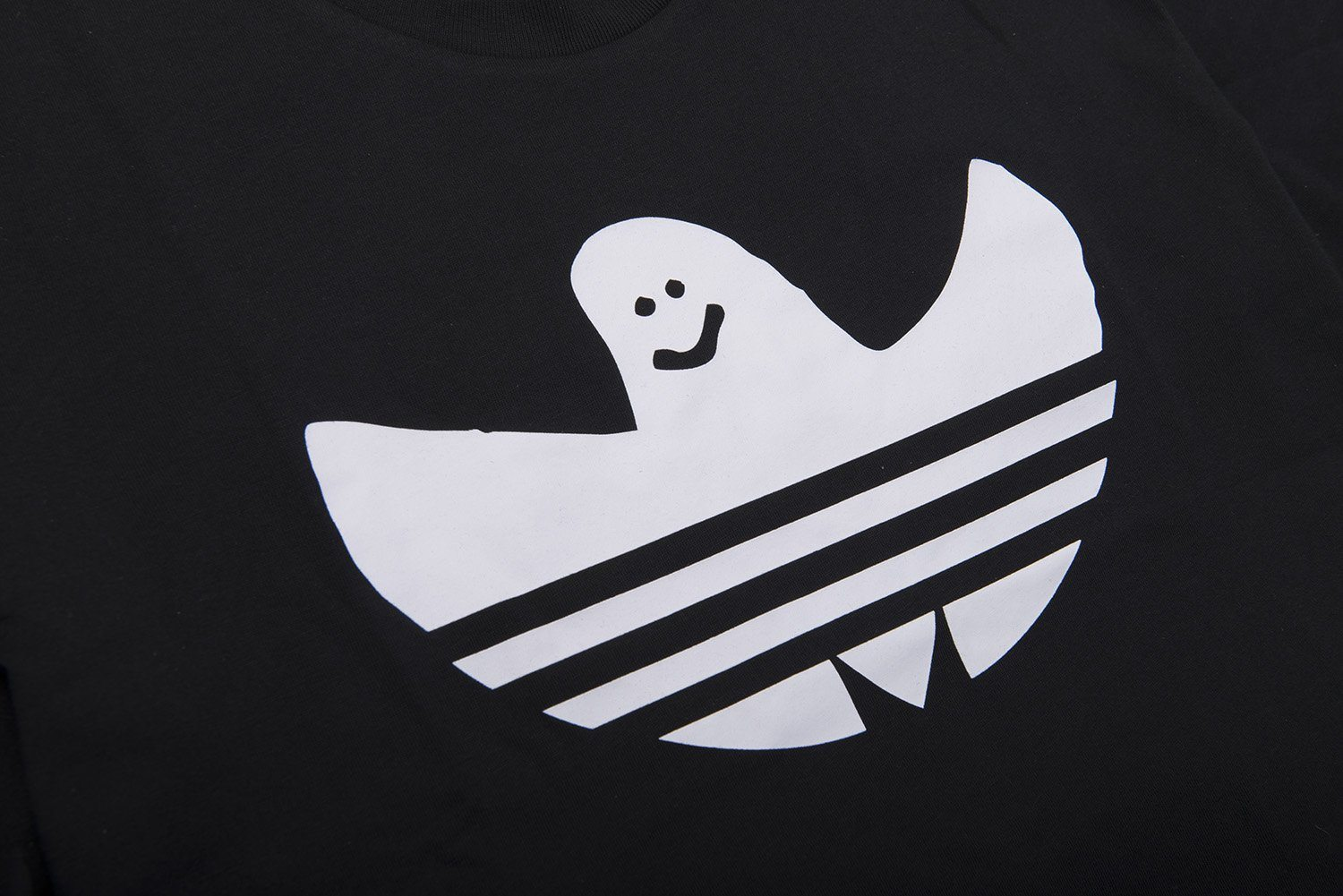 Adidas Solid Shmoo Tee DH3900 in Black / White