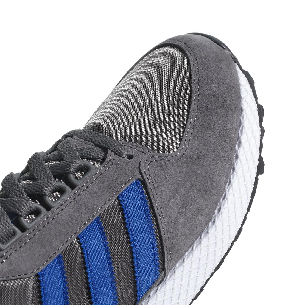 Adidas Forest Grove B41548 in Grey Four / Core Black