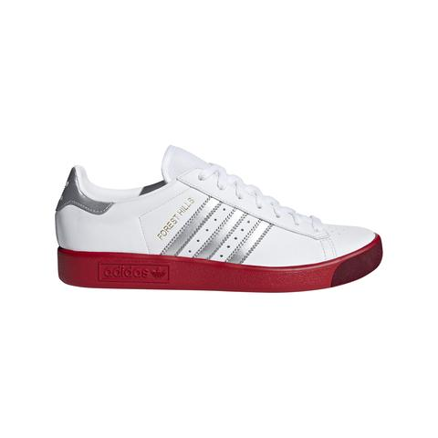 BD7622 Forest Hills Shoes in Ftwr White / Silver Met. / Scarlet Trainers adidas