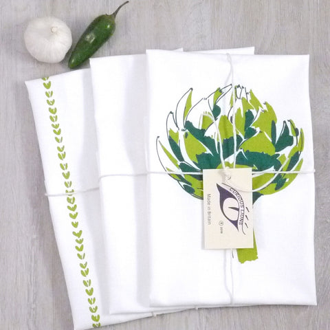 Tea towel set with artichoke screen print on panama cotton, designed by Curious Lions and made in the UK. These keep their shape and colour.