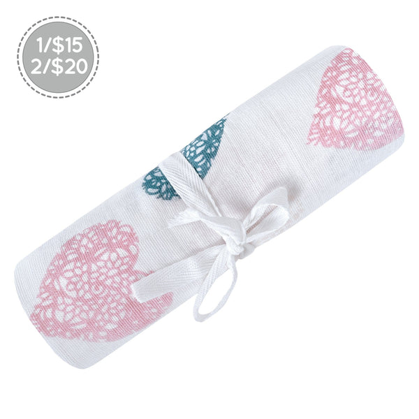 Cotton muslin swaddle - hearts