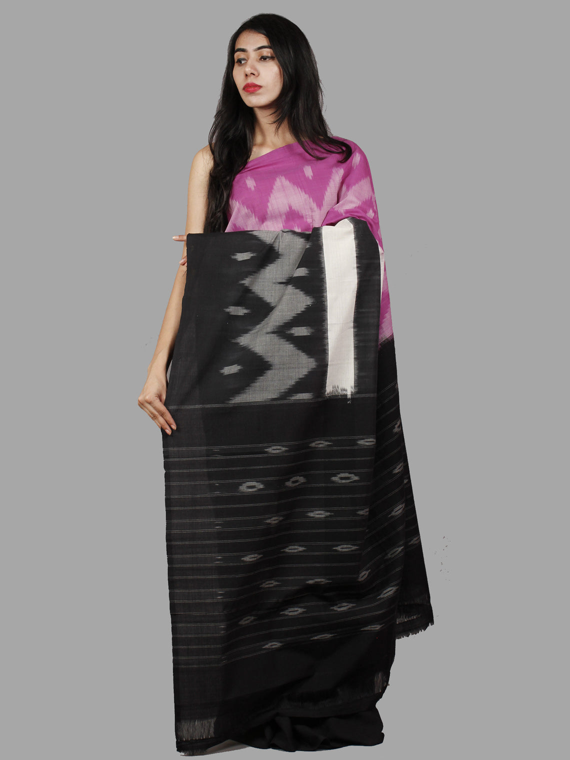 Black Purple Ivory Grey Handwoven Pochampally Mercerized Cotton Saree - S031701484