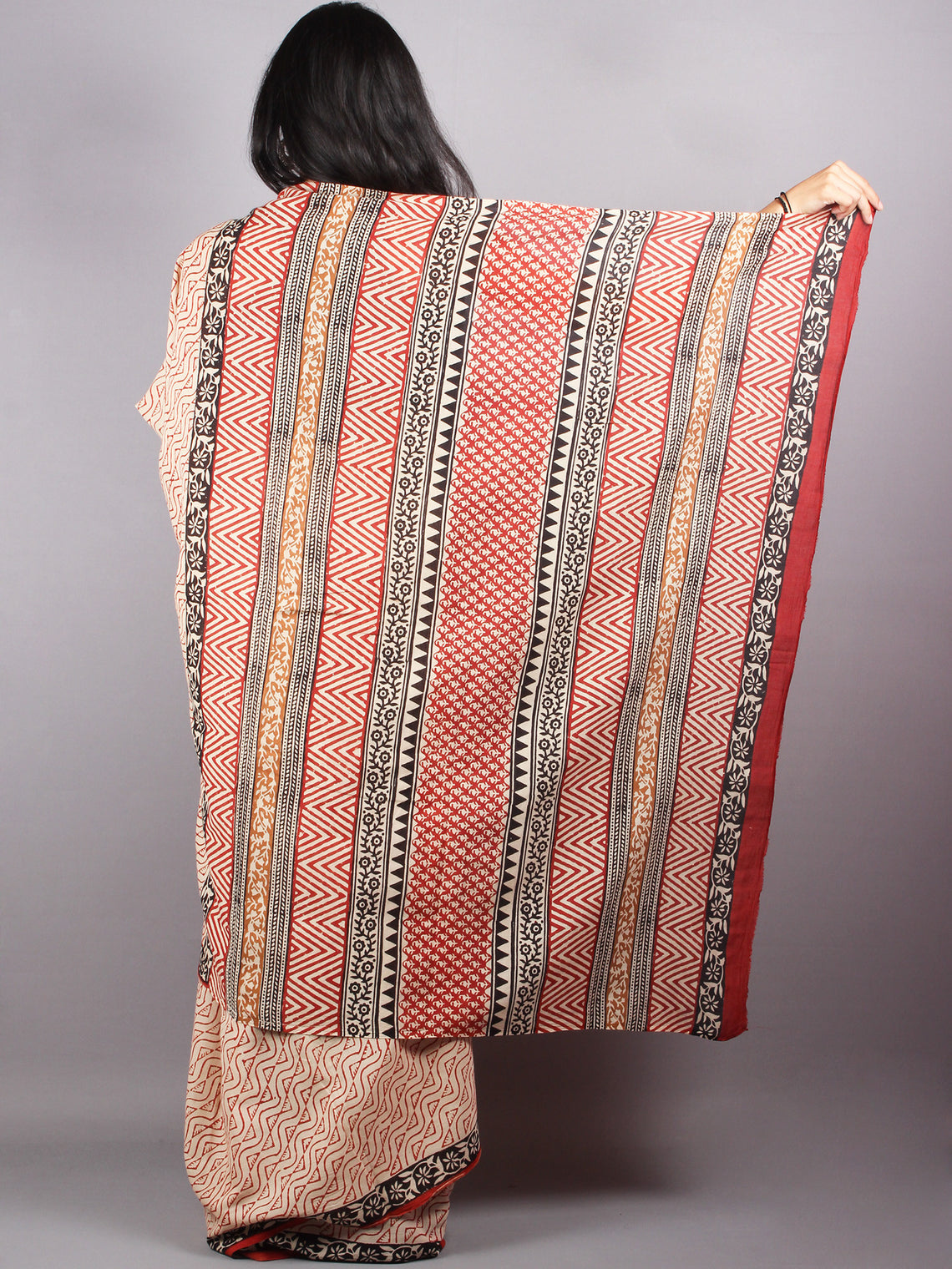 Beige Red Cotton Hand Block Printed Saree - S03170179