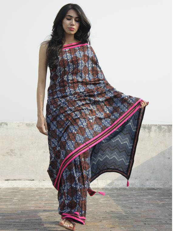 Indigo Ivory Brown Hand Block Printed Cotton Saree With Pink Border & Tassels - S031702297