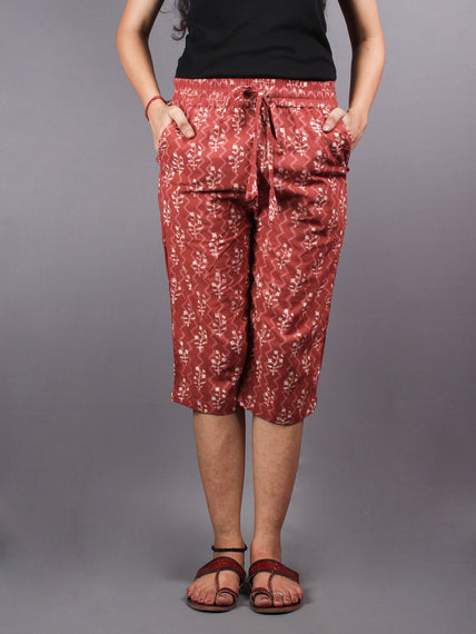 Red Hand Block Printed Elasticated Waist Capri - C0267025