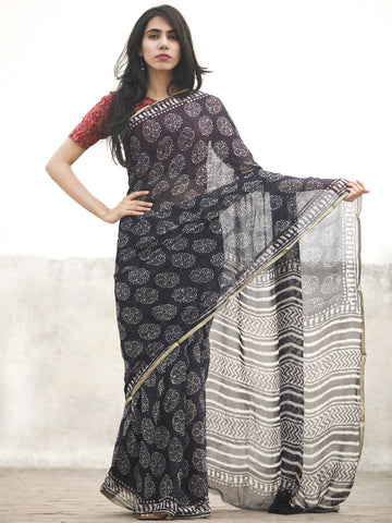 Navy Blue White Hand Block Printed Chiffon Saree With Zari Border - S031702600