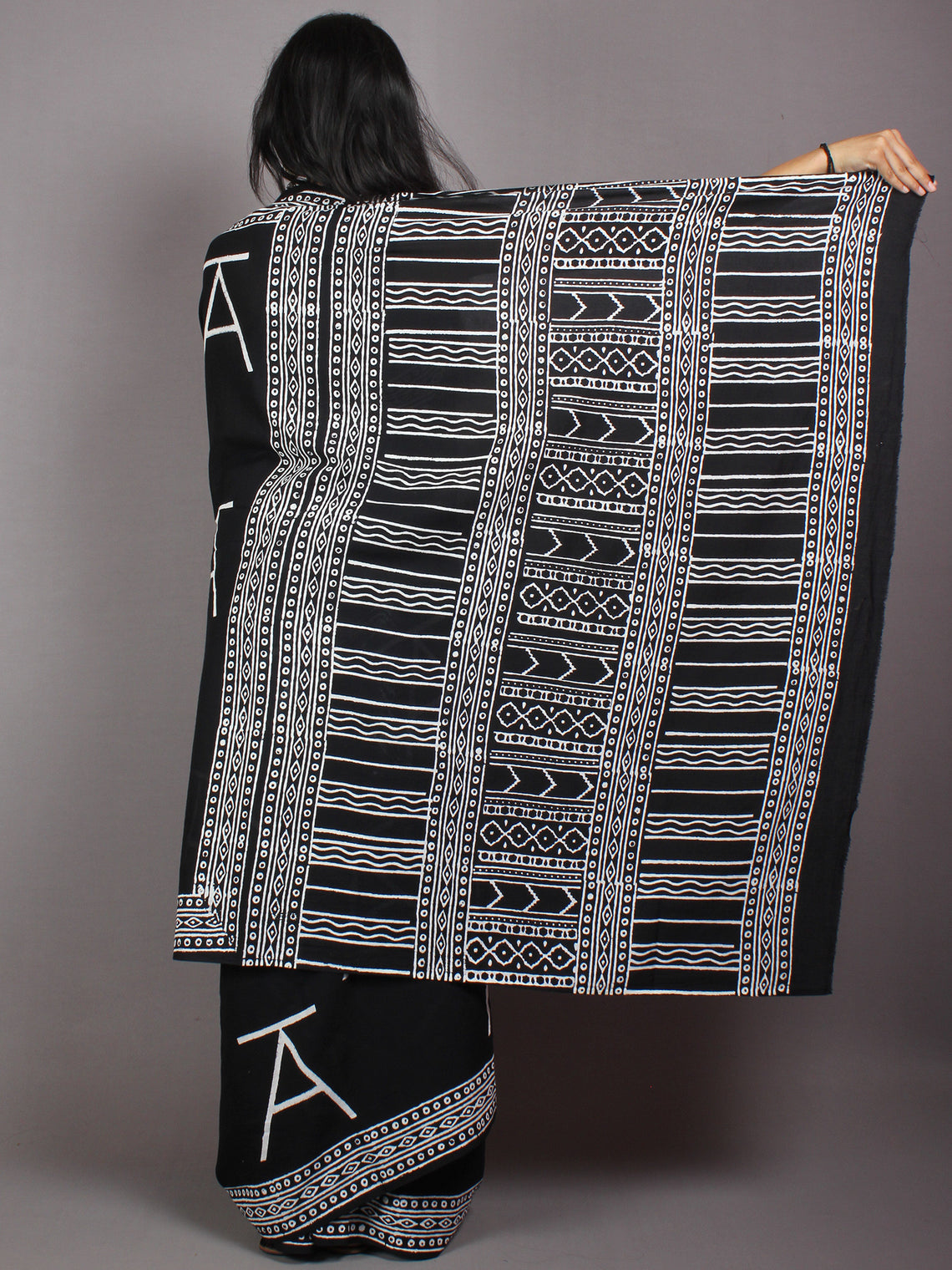 Black White Cotton Hand Block Printed Saree in Natural Colors - S03170526