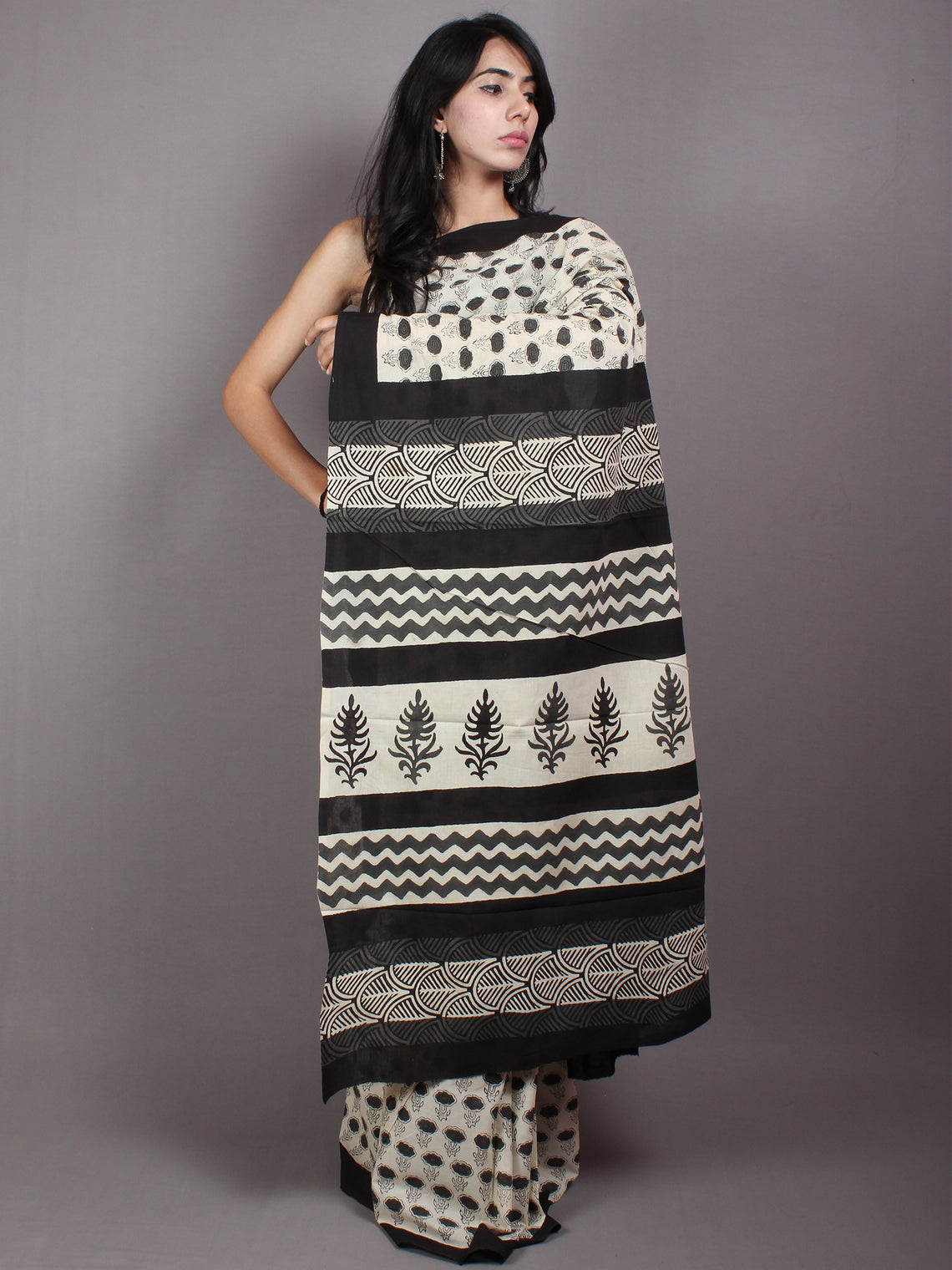 Ivory Black Cotton Hand Block Printed Saree in Natural Colors - S03170530