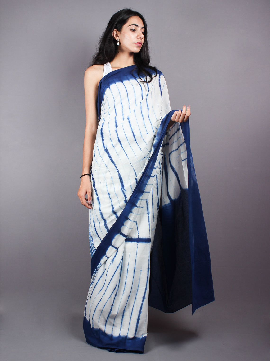 Deep Indigo White Natural Color Hand Dyed Cotton Shibori Saree - S0317055