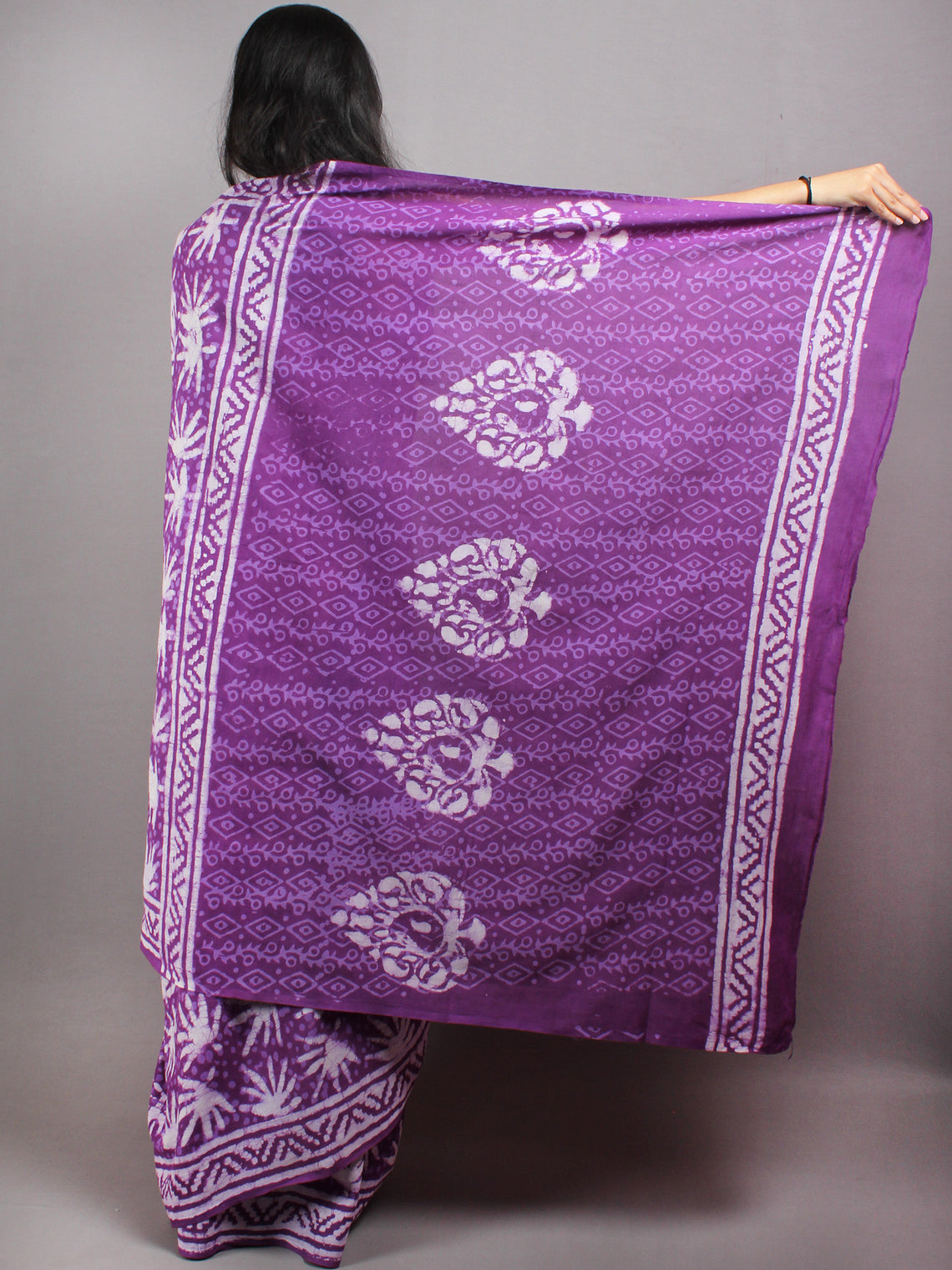 Purple White Hand Block Printed in Natural Colors Cotton Mul Saree - S03170628