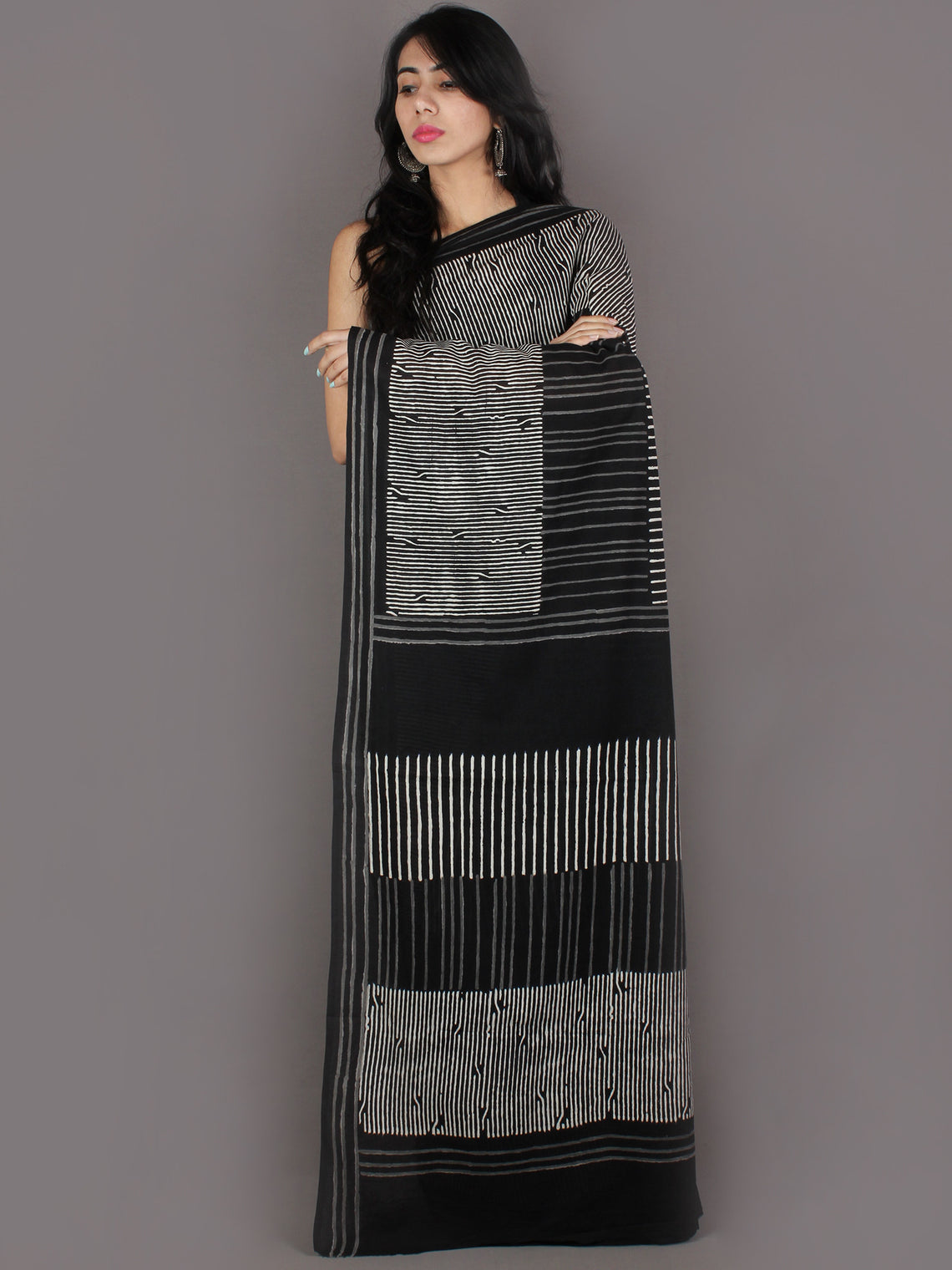 Black White Grey Hand Block Printed in Natural Colors Cotton Mul Saree - S03170910
