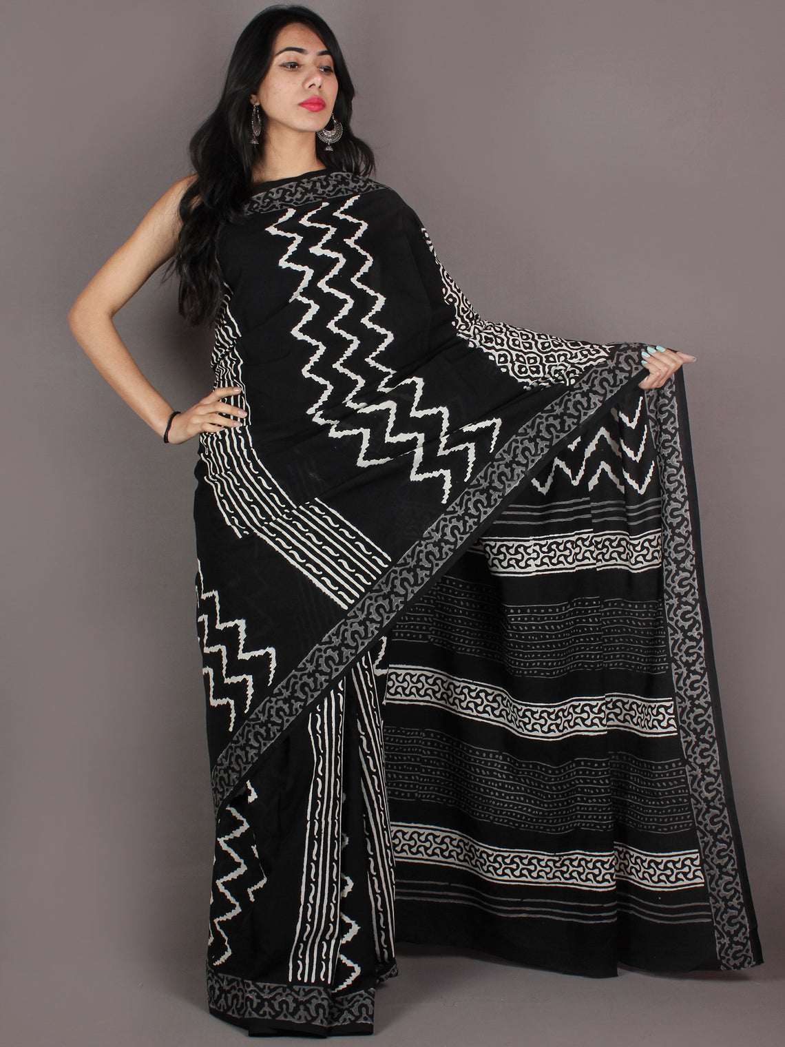 Black Grey White Hand Block Printed in Natural Colors Cotton Mul Saree - S03170930