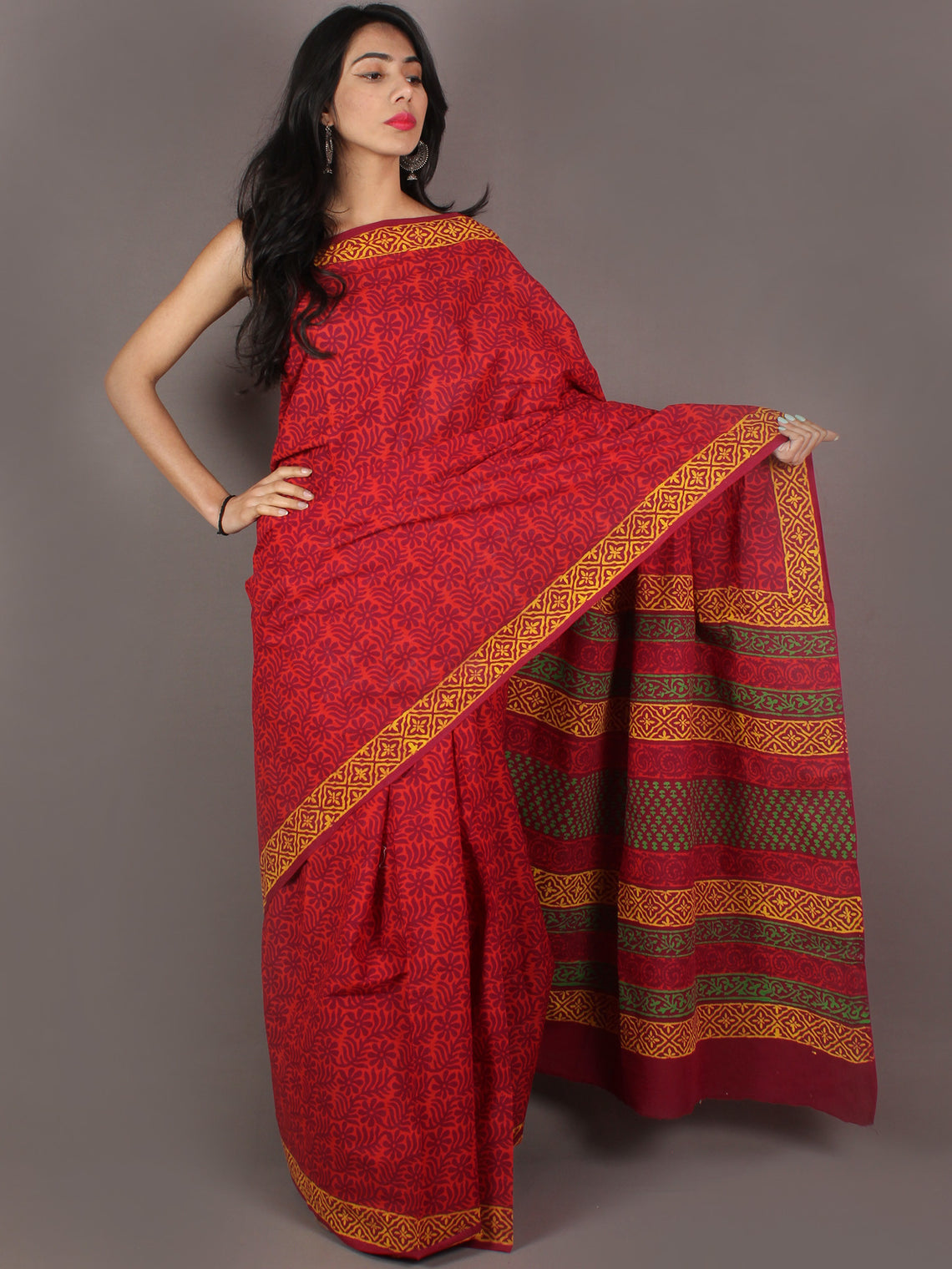 Red Purple Bagru Dabu Hand Block Printed in Cotton Mul Saree - S03170993
