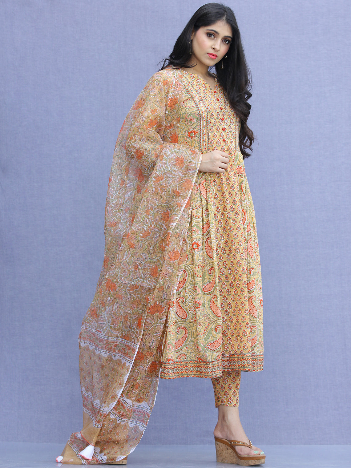Jashn Anjum - Set of Kurta Pants & Dupatta - KS70A2272D