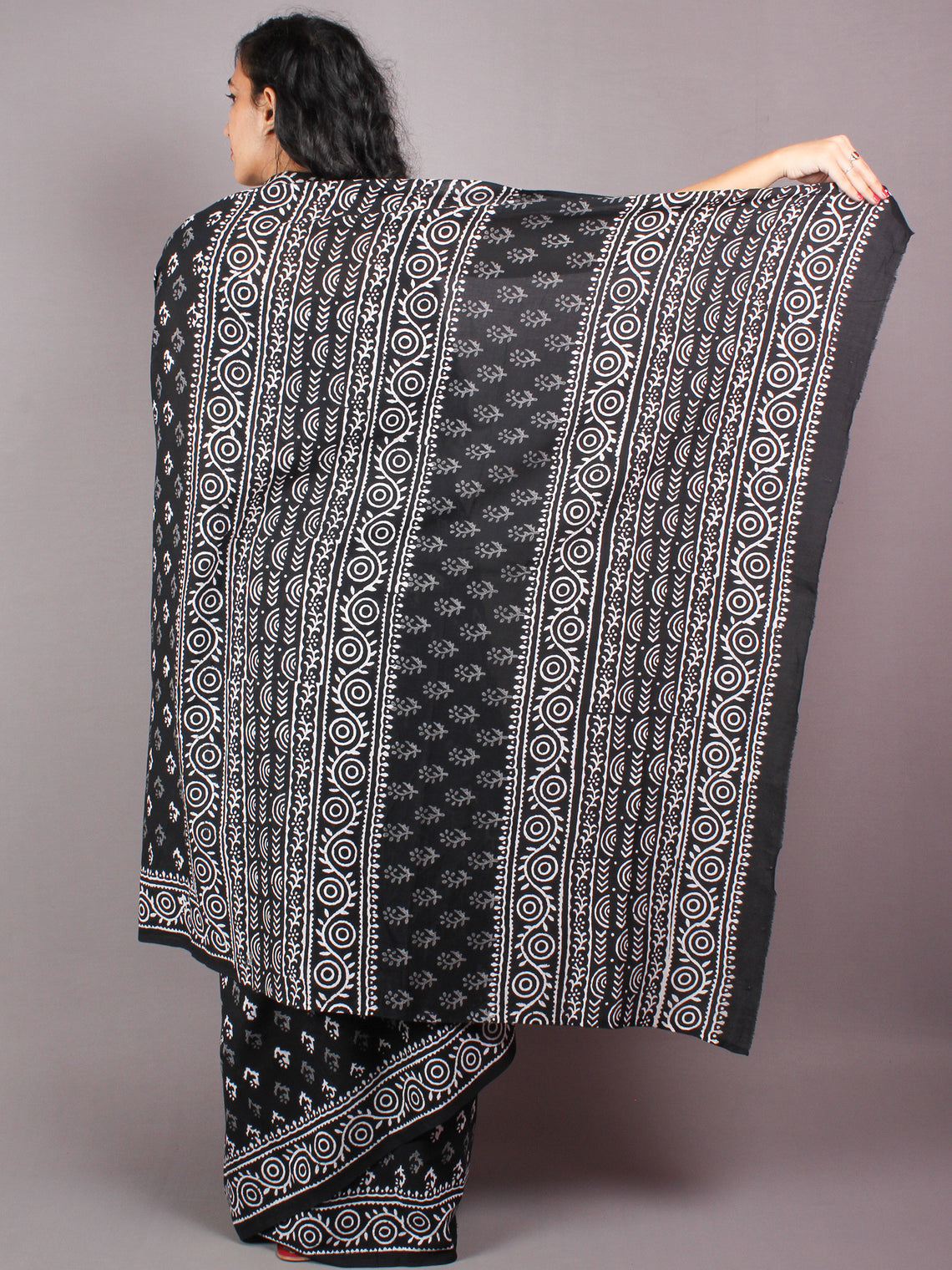 Black White Cotton Hand Block Bagru Printed Saree - S03170347