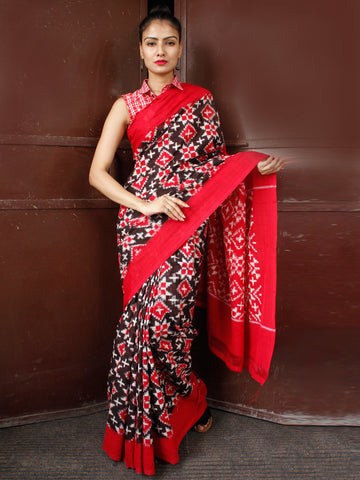 Black Red White Telia Rumal Double Ikat Handwoven Pochampally Mercerized Cotton Saree - S031703657