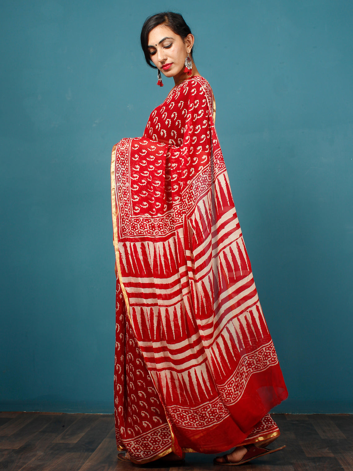 Red White Hand Block Printed Chiffon Saree with Zari Border - S031702797