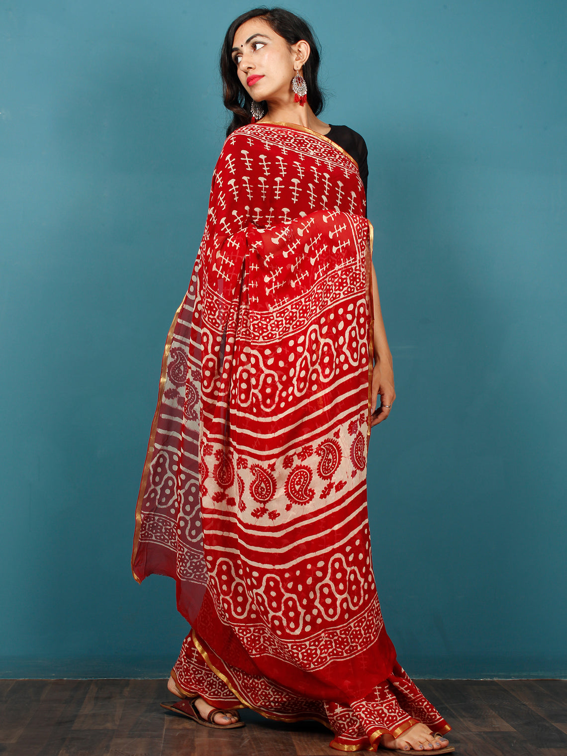 Red White Hand Block Printed Chiffon Saree with Zari Border - S031702801
