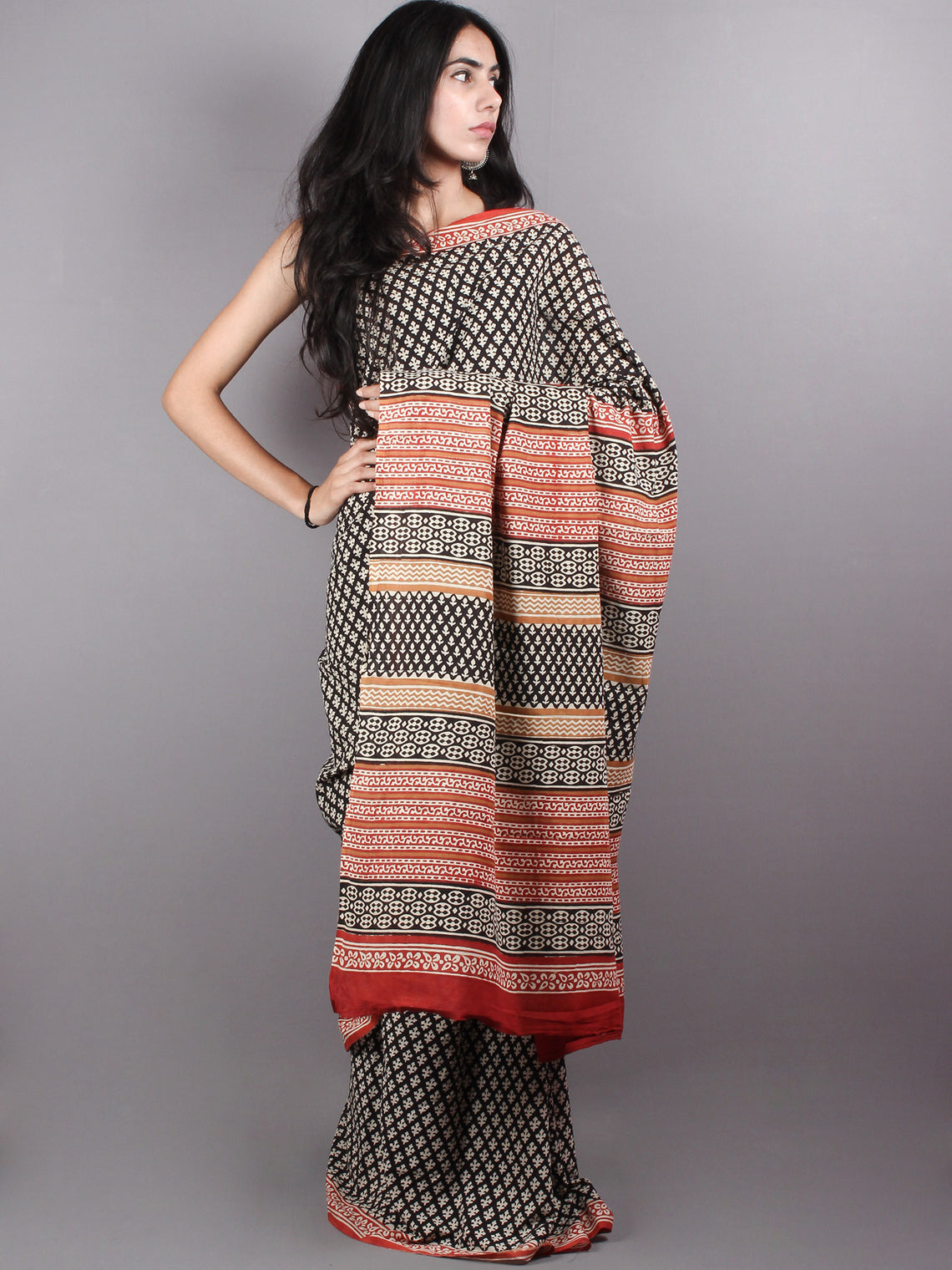Black and beige Cotton Hand Block Printed Saree - S03170170