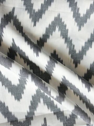 White Grey Pochampally Hand Woven Ikat Cotton Fabric Per Meter - F002F1452