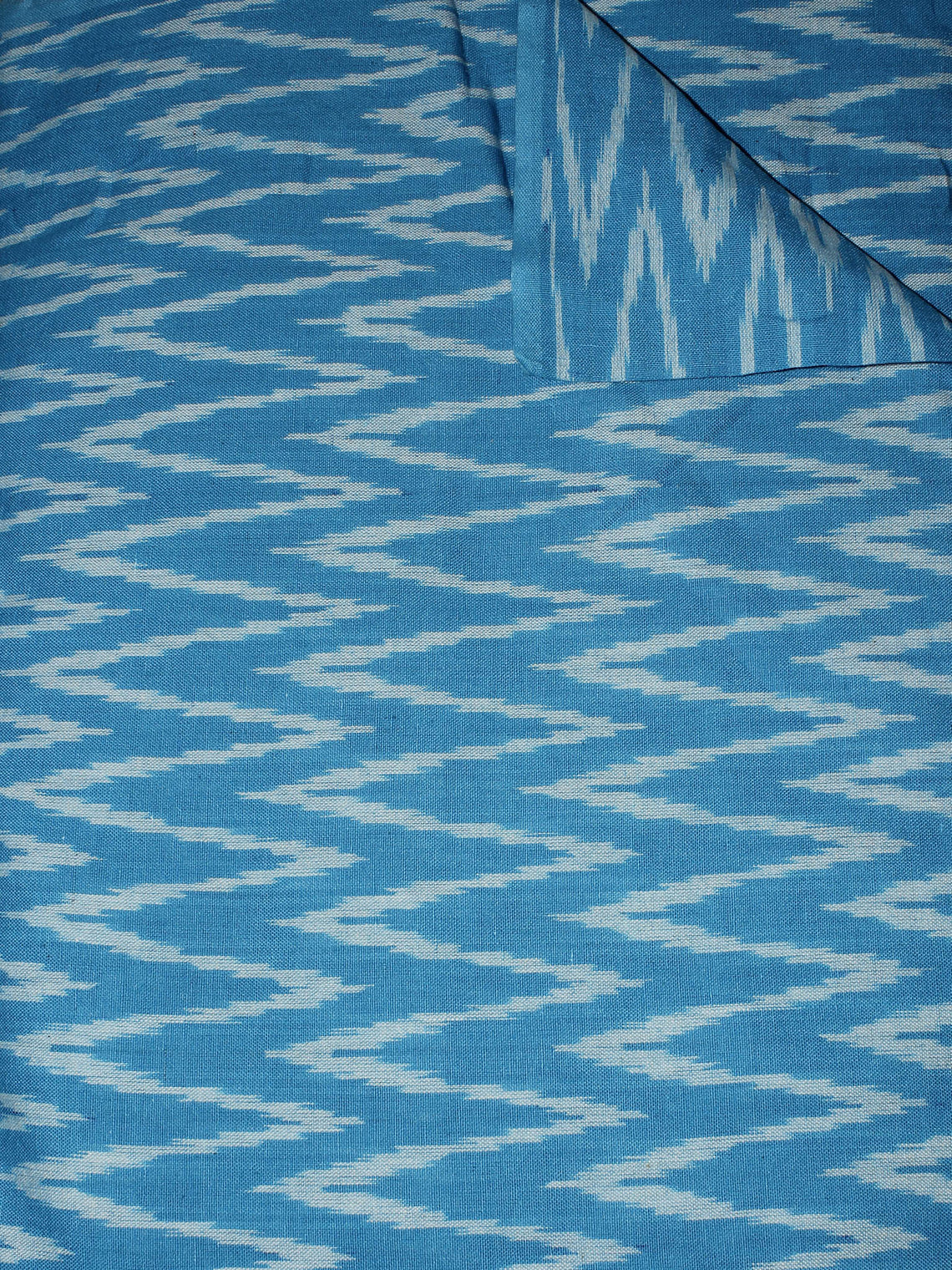 Azure Blue White Pochampally Hand Weaved Ikat Fabric Per Meter - F0916672