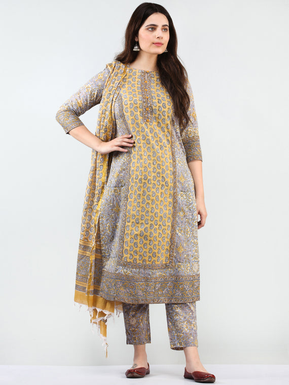 Zohra Ghazala - Set of Kurta Pants & Dupatta - KS76B2495D