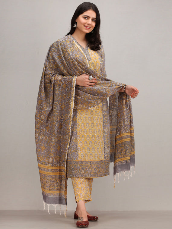Jashn Ayma - Set of Kurta Pants & Dupatta - KS01GXXXD