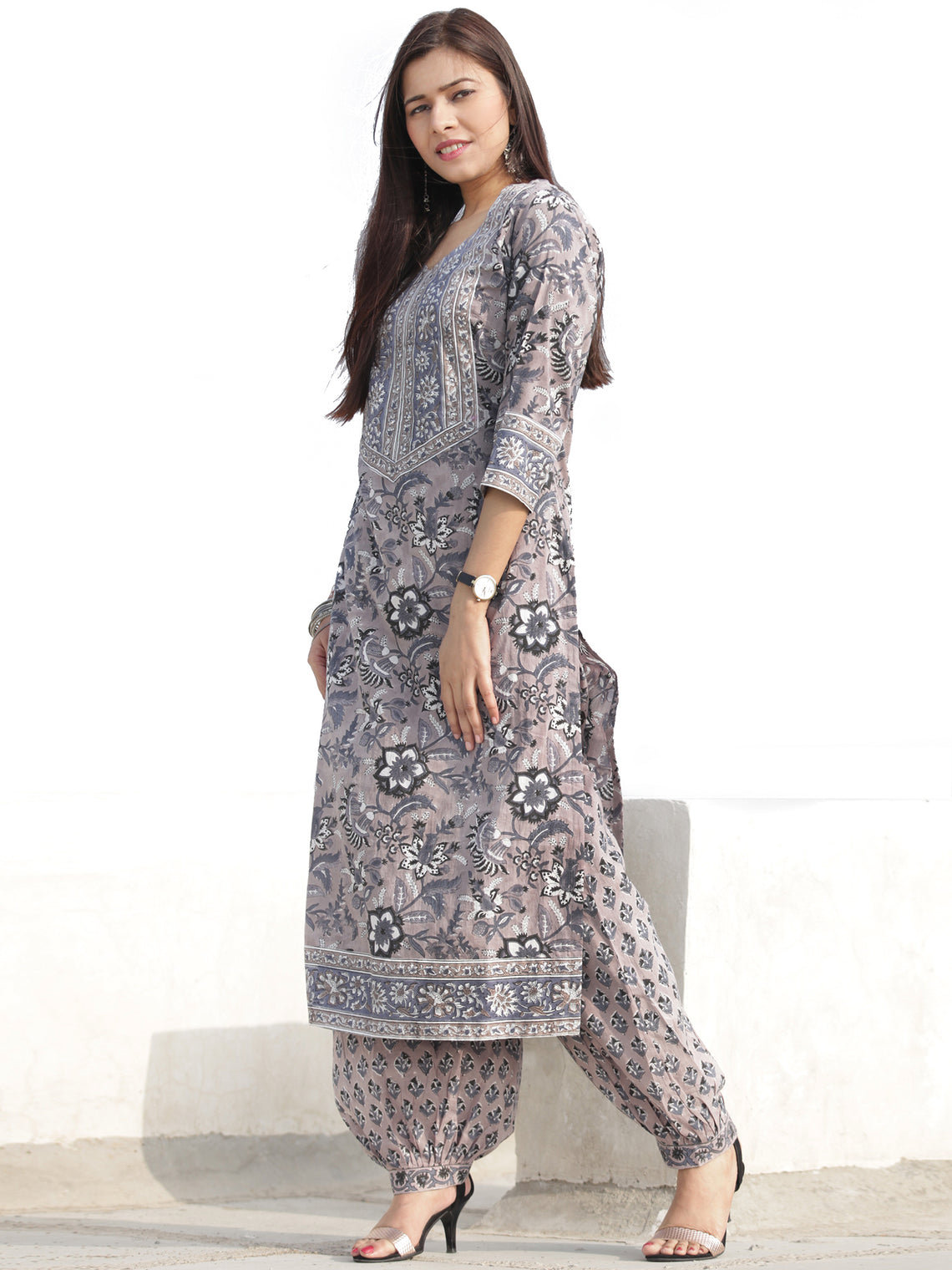Nayab Ibda - Set of Kurta Salwar Pants & Dupatta - KS47Q2534D