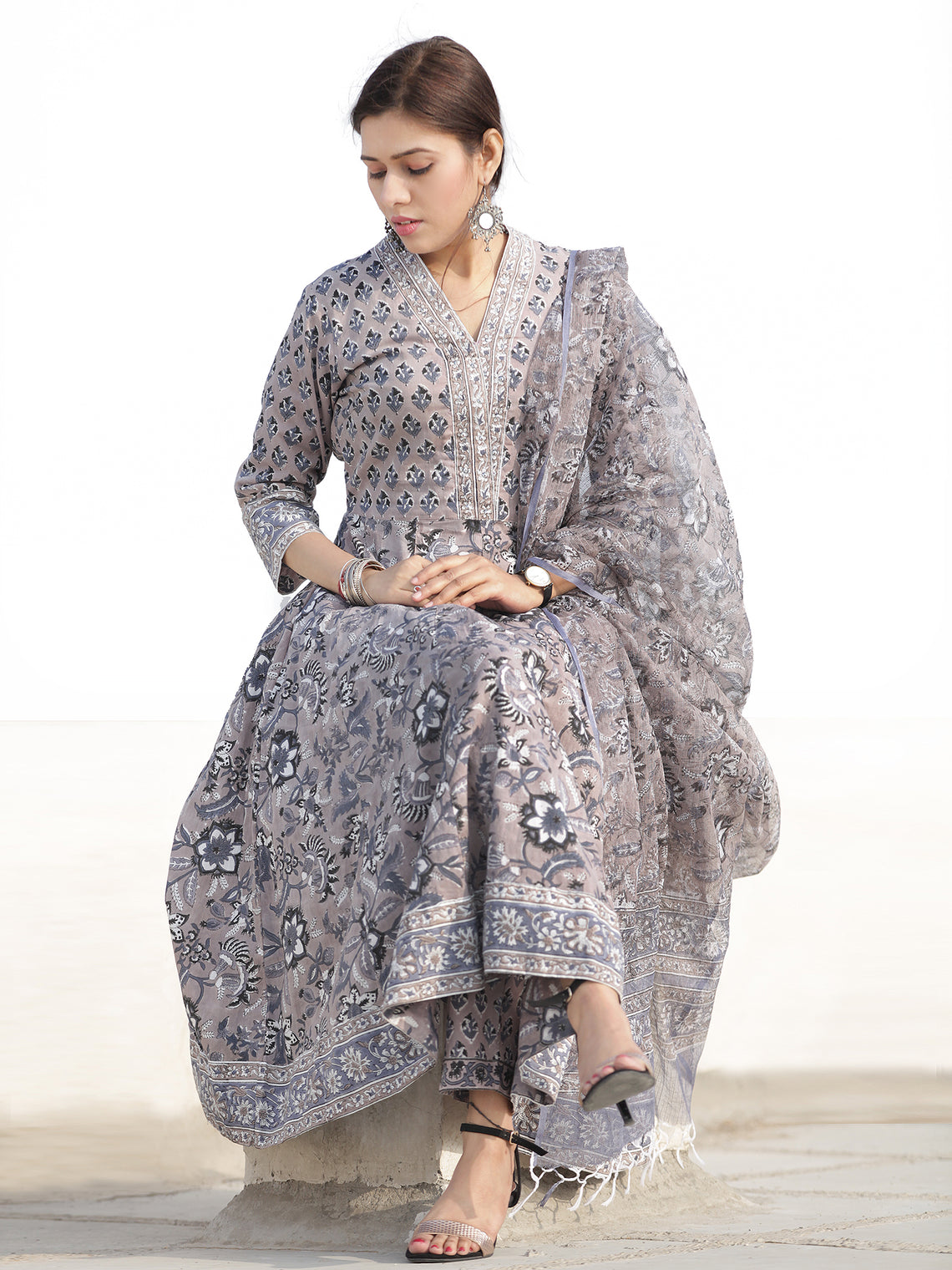 Nayab Zafraan - Set of Kurta Pants & Dupatta - KS33D2534D
