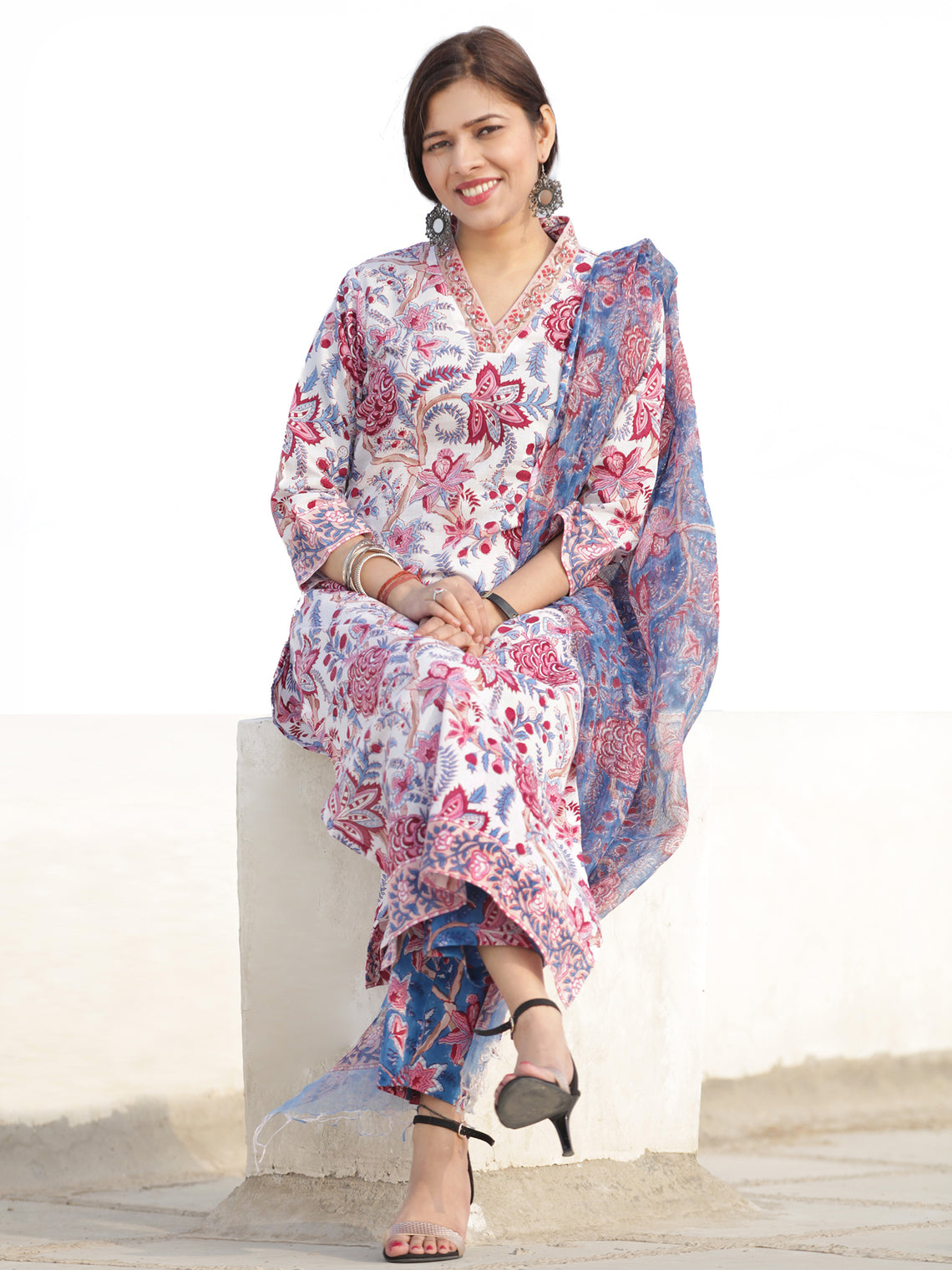Nayab Parigul - Set of Kurta Pants & Dupatta - KS54E2538D1